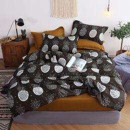 Black White Rose Bedding Australia - New Autumn Winter Black and white pineapple Bedding Sets Duvet Cover Set Flat Sheet Pillowcase 2pcs Queen King 4pcs Single Kids
