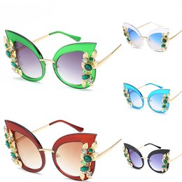 shop for sunglasses UK - 2020 New Square Frame Sun Glasses For Women And Men Fashion Sunglasses 607 Mix Colors Free Shopping #148861