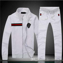 Wholesale 2019 hot brand fashion luxury designer fashion classic cotton tracksuit winter designer white black jacket tracksuit M XL