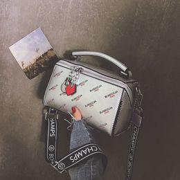 $enCountryForm.capitalKeyWord Australia - Belle2019 Bag Small 9133 Woman Tide Broadband Personality Hand Bill Of Lading Shoulder Package All-match Messenger Boss
