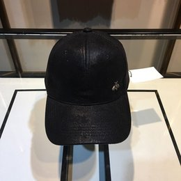 Beach hat models online shopping - Fashion Mens Woman Designer Caps Luxury Hats Little Bees Baseball Cap Brand Adjustable Hats Models Option Highly Quality with Box