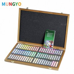 paint pastels Canada - Mungyo Master Soft Pastel Wooden Box Painting Crayons Art Drawing Set Chalk Color Crayon Brush Stationery For Artist CHO9#