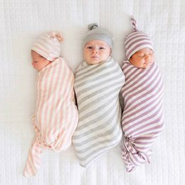 cotton baby bedding sets UK - 2Pcs Set Cotton Striped Baby Wraped Blankets Swaddles Knot Beanie Cap Newborn Infant Photo Prop Baby Bedding Sleeping Bag