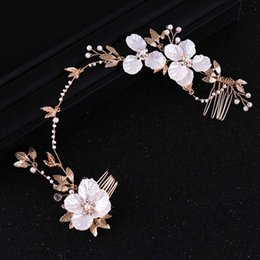girls tiara combs UK - Girls Simple Fashion Flower Headbands Hair Jewelry Ladies Elegant Charm Tiaras Hair Comb Bride Wedding Flora Accessories