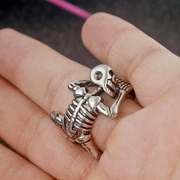 wholesale jewelry south america UK - Fashion Jewelry Europe and America Style Ghost Paw Skull Hip Hop Punk Ring For Men Party Club Decorations