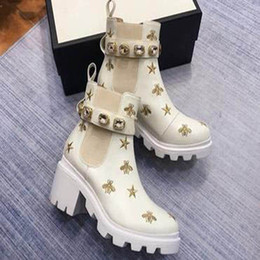 dark blue pearl chain UK - 2020 Women Leather Bees Stars Embroidered Ankle Boot Lady Pearls Red Laces 6cm Chunky Heel Rubber Lug Sole Boots p6