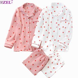 double bell UK - Spring New Ladies Pajamas Set Heart Printed Crepe Cotton Double-layer Gauze Turn-down Collar Long-sleeve Trousers Household Wear Y200708