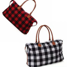 sea bags tote Canada - Buffalo Weekender Bag 22inch Check Handbag Plaid Bags Large Capacity Travel Tote with PU Handle Storage Maternity Bags Sea Shipping OOA8157