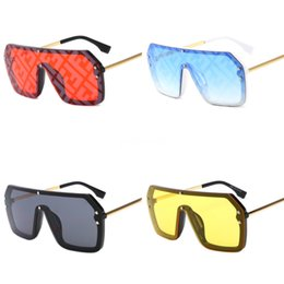 women s sunglasses wholesale Canada - Summer Woman Driving FE Double F Sunglasses LADIES Fashion Design Glass Lens Dazzle Colou Cycling Eyewear BEACH Sunglasses 4Colors Free S#258