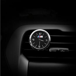 Toptan satış Aydınlık Araba Saati Süsler Oto İzle Hava Mühürleri Outlet Klip Mini Dekorasyon Otomotiv Dashboard Zaman Ekran Saat BMW Benz Audi VW Için