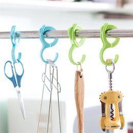 colorful clothes hangers NZ - 2PCS LOT Colorful Anti-wind Hooks Hangers Ring Shawl Scarf Belt Tie Closet Organizer Out Door Indoor Hooks for Clothes Bags