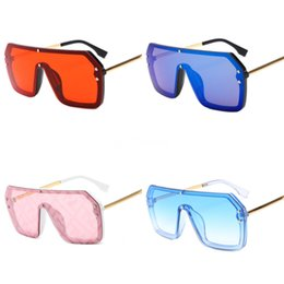 women s sunglasses wholesale Canada - Trend Double F Sunglasses Women'S Ins Net Red Same GLASSES European And American Men'S And Women'S Double F Sunglasses 9750 S#115
