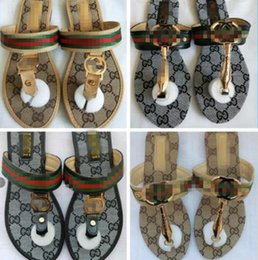 Großhandel 2020 Luxus neuen Open Toe Sommer Beleg gg Frauen Pantoffeln auf flachen Schienen-Strand-Schuhe Weibliche Flip Flops Sandalen Mode
