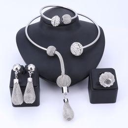 Опт Новая африканская Bridal комплекты ювелирных изделий для женщин способа серебра цветов Кристаллов ожерелья серьги наборов Свадебного Assignment подарок