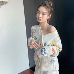 european breast NZ - European station 2020 early autumn home new single-breasted cream color versatile color jacquard knitted long-sleeved cardigan, free shippin