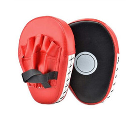 Venta al por mayor de 2 PCS Kick Boxing Gloves Pad Punch Bolsa de objetivo Hombre MMA PU Karate Muay Thai Fight Fight Sanda Training Adultos Equipo de niños