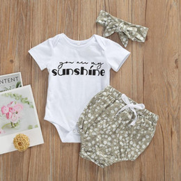 Discount white infant headband 3Pcs Cute Summer Newborn Baby Clothes Set Fashion Letter Printed Cotton Casual Bodysuit+Shorts+Headband Infant Outfits