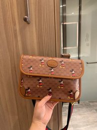 high end hand bags Australia - High end retro messenger bag with infinite possibilities net red man hand a fashionable casual women's bag 030506