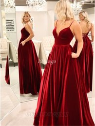 gown pockets red carpet UK - Dark Red Velvet Evening Dresses 2020 Spaghetti Straps Corset Back Arabic Celebrity Runway Prom Gowns With Pockets Robe De Soriee