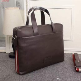 hard briefcases for men UK - 2020 The latest Fashion classic bags , Black Oversized Large capacity briefcase man handbag for men use,Size 40-8-30 cm