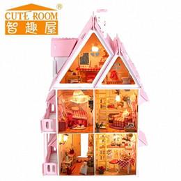 Decoração casa Crafts DIY casa de boneca de madeira em miniatura boneca Casas DIY Dollhouse Furniture Kit Villa luzes LED presente 130 07 18 Inch Do qbQX # em Promoção