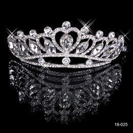 18025 Clssic Hair Tiaras In Stock Cheap Diamond Rhinestone Wedding Crown Hair Band Tiara Bridal Prom Evening Jewelry Headpieces on Sale