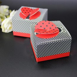 "wholesale christening gifts NZ - Creative 3-D Wing Ladybug ""Cute as a Bug"" Candy Box DIY Gift Baby Christening Baptsim Gifts Party Supplies ZA1393"