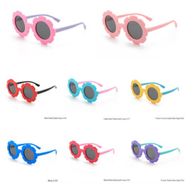 korean girls sunglasses Australia - 2020 new children's Japanese and Korean style flower style sunglasses soft rubber cartoon polarized sunglasses 8266