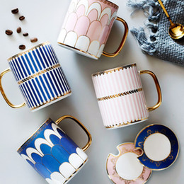 Wholesale european cups for sale – custom Blue and Gold Bone China Coffee Cup With Spoon European Style Creative Ceramic Afternoon Tea Teacup For Water Beautiful Gift Box