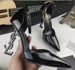 Новые моды женщина на высоких каблуках для женщин партия свадебных черных розовых блестящих шипов носками Насосы платьеYSLобувь ZZ 011 на Распродаже