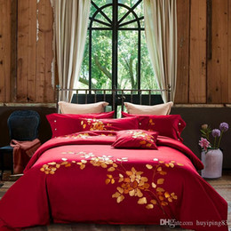 embroidered duvet cover sets queen Australia - Europe Style Egyptian Cotton Embroidery Bedding set King Queen Size Luxury Wedding Bed Set Pure Red Duvet Cover Bed linen sheet Pillowcases