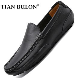 women black leather driving shoes NZ - Genuine Leather Men Casual Shoes Brand 2020 Italian Mens Loafers Moccasins Breathable Slip on Formal Driving Shoes Men Plus Size CX200729