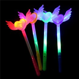 glowing crystal balls UK - Children Heart Flash Stick Led Wing Crystal Ball Glow Lovely Eco Friendly Light Sticks Universal New Patterns 2 4hp J1
