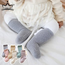 boys toddlers socks UK - Newborn Coral Fleece Baby Socks Winter Warm Baby Boy Girl Socks Cartoon Anti Slip Infant Toddler Knee High