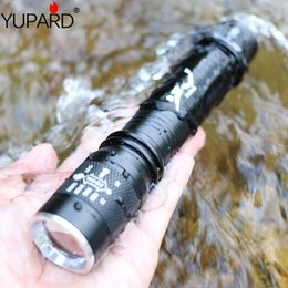 water proof flashlights NZ - T6 L2 strong zoom diving flash flashlight charging underwater long-range water-proof light-replenishing yellow light 18650 AAA