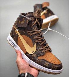 venda por atacado Off White Louis Vuitton x de Sneakers Mulheres Homens Nike Air Jordan 1 Retro Designers Chicago UNC Basketball Shoes Calçados Esportivos