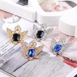 wing collar brooches UK - 2020 designer brooch creative marine gem angel wings brooch crown shawl collar fashion wild pin jewelry