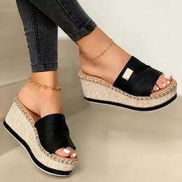 Wholesale Summer Women Wedge Slippers Platform Flip Flops Soft Comfortable 2020 New Casual Shoes Outdoor Beach Sandals Ladies Slides