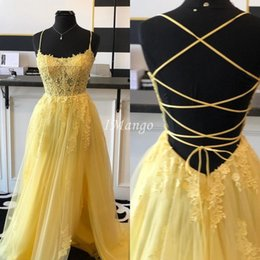 celebrity corset dresses Canada - Side High Split Yellow Prom Dresses 2020 Lace Appliques Illusion Corset Back Graduation Celebrity Party Gowns Evening Vestidos