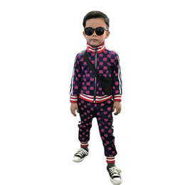 Großhandel Kinderdesignerkleidung Sets Kindermode Letters Druck Tracksuits Jungen-Mädchen-beiläufige Jacken + Jogger Kinder Designer Sport-Art-Sweatshirt