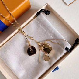Hot Sale Pingente Colar Moda colares para Homem Mulher colares jóias pingente Altamente qualidade 5 Modelo Opcional em Promoção