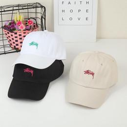 Vente en gros 2020 Stussy icône été chapeau en coton Hommes Lettre broderie ajustable unisexe hommes Chapeaux Casquette de baseball hip hop Casquettes Casual de 231 oz