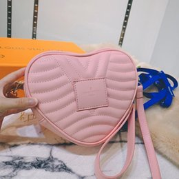 heart shaped bags NZ - Fast Delivery Womens Leather Zipper Crossbody Bags High Quality Ladies Shoulder Bag Clutches Handbag Luxury Designer Heart Shaped Bag