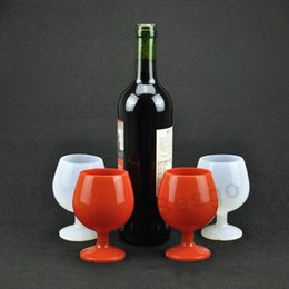 goblet wine glasses wholesale Canada - Silicone Wine Glass Outdoor Camping Portable Beer Glass Standing Goblet Silicone Cup Wine Glasses New Design Fashion Bar Wine Mug DBC BH2766