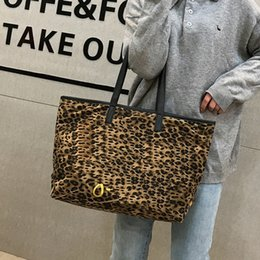 hand bags leopard prints NZ - New women's fashion hand shopping hand leopard print Hand large capacity one-shoulder tote bag leopard print shopping bag
