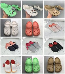pink nurse shoes UK - 2020 SATIHU Slip On Casual Beach clogs Waterproof clog Shoes Women Classic Nursing Clogs Hospital Women Work Medical Sandals #5211 I7Cb#