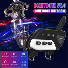 motorcycle helmets bluetooth radio Canada - Motorcycle Bluetooth Walkie Talkie Helmet Riding Equipment Bluetooth Headset Black White One Drag Four Walkie Talkie FM Radio MTru#
