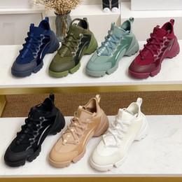 Primavera 2020 sapatas da mulher designer de verão sapatos casuais flores forma esportes funcionamento imprimir rendas fundo grosso em Promoção