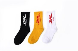 wholesale hip hop socks UK - Travis Scott Mens Fashion Socks Casual Cotton Breathable with 2 Colors Skateboard Couple Hip Hop Socks Printed for Male