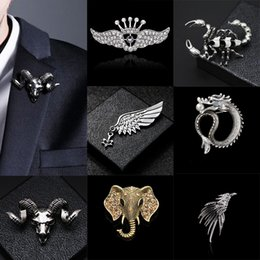 wing collar brooches UK - i-Remiel British Style Fashion Retro Brooch Pin for Men Hawk Wing Crown Rudder Elk Owl Leaf Badge Suit Shirt Collar Accessories
